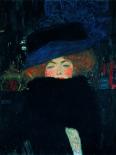 Signora Con Cappello